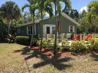 2 Bedroom Cozy House with great views of the Indian River Waterway in Jen. Bch.