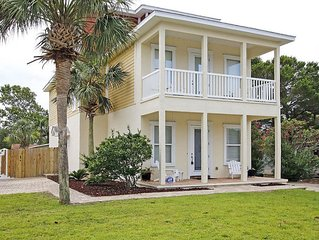 FantaSea - Boat friendly! 3 BR 3 Bath plus game room loft.