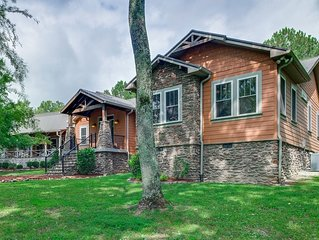Luxury Lodge on 5 Acres - Minutes from Nashville