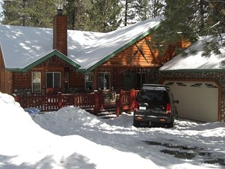Luxurious home and perfect LOCATION!! Walk to Snow Summit, Hot Tub