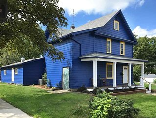 Big Blue House Ann Arbor - 500 feet from The Big House