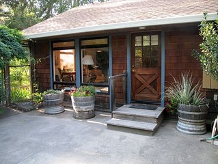 Cozy and Charming Apple Blossom Retreat, with Shared Hot Tub - We're back !!