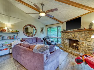 Beautiful mountainside condo with a fireplace