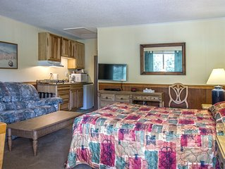 DOUBLE QUEEN SUITES WITH AMENITIES IN THE BAILEY LODGE