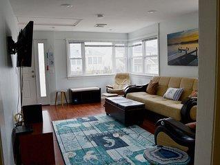 Beautiful Waterview 3 Bedroom /2 bath - 1 block from beach, 4+ car parking