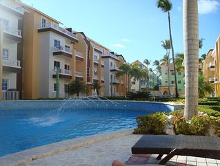 Welcome to Paradise! Sleeps 6. 2 bed/2bath, short walk to beach and restaurants
