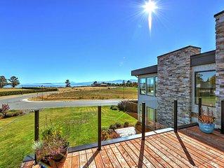 Luxurious 3 Bedroom Executive Ocean View Estate