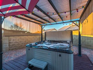 HOT TUB, DIVING POOL, RV PARKING, SLEEPS 10
