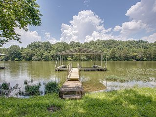 Quiet retreat with dock on Old Hickory Lake near Nashville!