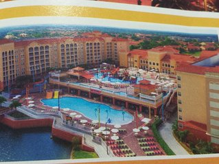 Luxury Resort 1 mile from Disney Drive