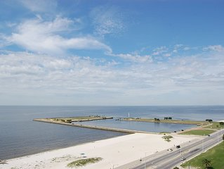 Vacation on a Whim & SAVE BIG! Have An 11th Floor View Of The Gulf Coast!!!