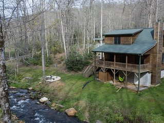 Spacious Creekside Cabin-Fire Pit-Gas Grill with Amazing Rates