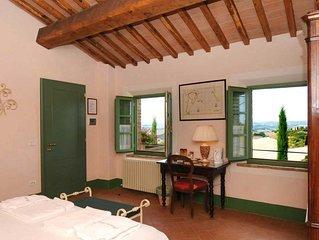 PODERE SALICOTTO - ROSA Elegant Comfort Double/Tw Bedroom in Tuscan Villa w/view