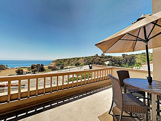 Ocean-View Apartment — Minutes to Beach, Eateries, Shops, Surfing, Hiking