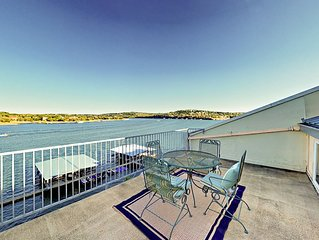 Fall Savings! 3BR Lakefront Condo with Pool and 2 Private Balconies