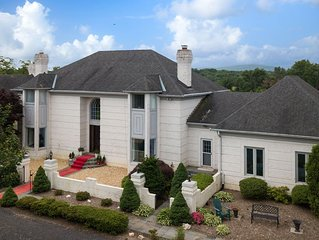 Your own  amazing10,000s/f Mansion in the Heart of Wine Country w/Guitar Pool