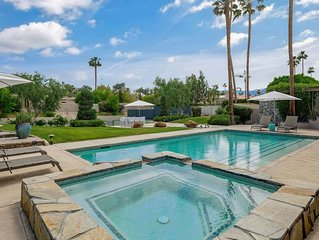 Desert Villa...Tennis Court, Pool/Spa, Southern Views & Electric Vehicle Charger