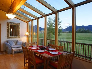 Le Chateau Red Lodge - Hiking, Golf & Skiing - Close to Yellowstone Park & Cody