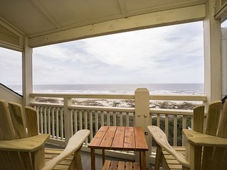 A Dream Come True: Oceanfront Condo with Community Pool