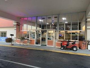 Freeway Inn motel and Uhaul