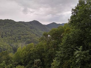 Beautiful Mountain views with private balcony close to Asheville, NC