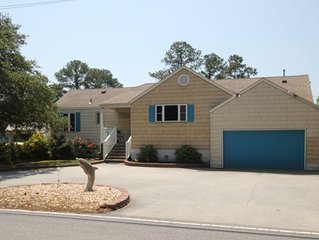 Riverfront House w/Dock, Hot Tub- near beach, Free WiFi, Just Reduced
