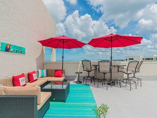 Penthouse w/rooftop patio & Sunset Views! Dolphin Watching!
