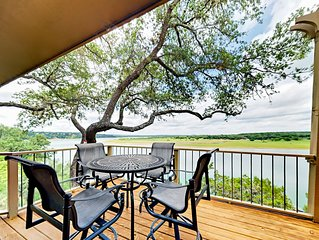 Fall Savings! Refined 3BR Panoramic Paradise on Lake Travis with Boat Launch