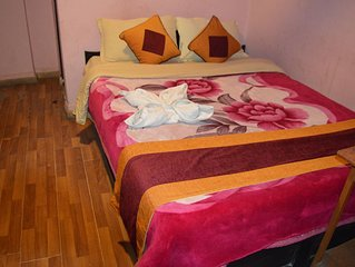 Room with private bathroom, hot shower and 24- hours free WIFI