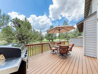Spacious home w/private deck & gas grill - shared pool and more resort amenities