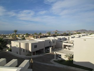 Free Convertible Car - Amazing Ocean Arch Views - 3 Bedroom - Sleeps Up To 10