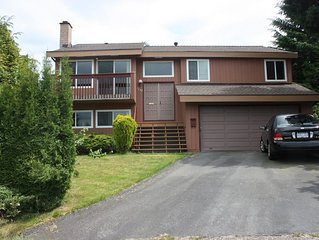Close to skytrain 3 bedrooms upper bright and clean