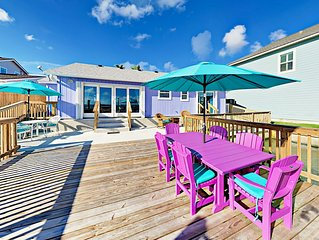 Island-Style Waterfront 3BR w/ Deck & Private Pier - Winter Texans Welcome