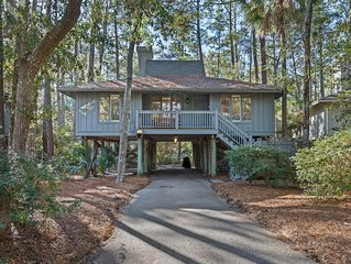 Lovely cottage w/ community pool/dock, central location