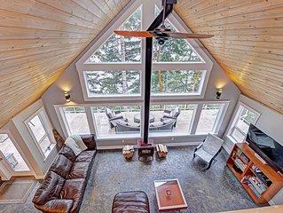 Amazing Cowichan Lake 3 Bedroom Waterfront House