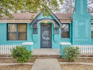 Tech Terrace Cottage-Just 3 Blocks from TTU!