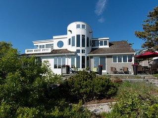 Ocean view home w/decks & gorgeous vistas-walk to town & beach