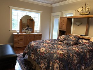 1580 Sqft 2 Bedroom Suite, Sleeps 6 - 1.5 Bath, Den/Office