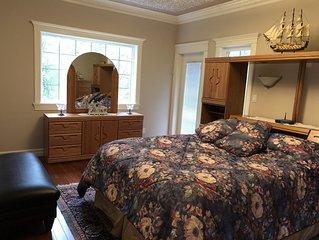 1580 Sqft 2 Bedroom Suite, Sleeps 6 - 1.5 Bath, Den/Office