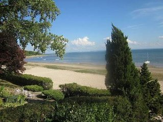 Waterfront Cottage on Crescent Beach, Fort Erie, O