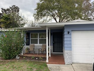 Cozy, Clean, Close to Beaches & Convenient access to Tampa... Pet Friendly Too!