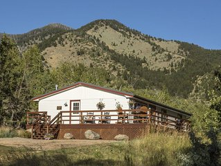 PRIVATE creekside house on cattle ranch 45 mins from Yellowstone National Park