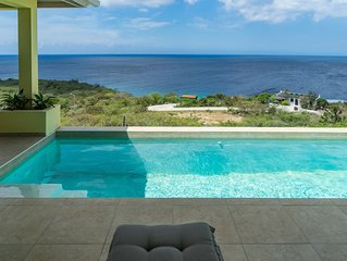 Sunsets Over The Sea, Big Pool, Great Views!  Comfort for 6!