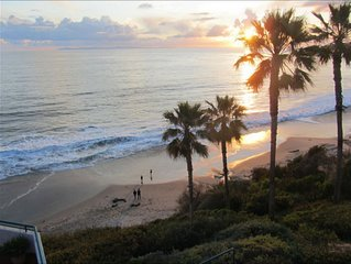 BEST DOWNTOWN OCEANFRONT APARTMENT! SLEEPS 4!! WALK EVERYWHERE