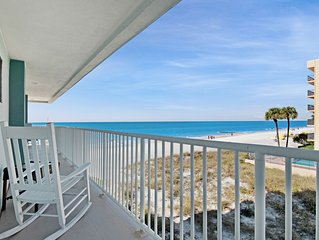 Bright, sunny condo with gorgeous ocean views & pool access!