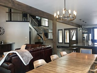 Luxury Vacation Home on Rope Rider 14th w/ Huge Hot Tub, Fire Pit, Sound System