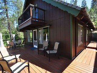 Bigfoot Cabin Near Yosemite Sleeps 9 1/2-mile to Lake Lodge Beach & Playground