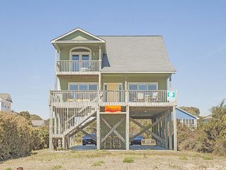 Southern Horizons: 4 BR / 3.5 BA home in Oak Island, Sleeps 9