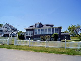 Wonderful Prudence Island Cottage with 180 Degree View of Narragansett Bay