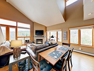 TurnKey - 2BR Watch Hill Condo w/ Epic Views & Hot Tub—Short Drive to Skiing